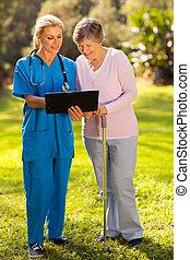 pacjent, medyczne wyniki, pielęgnować, próba, senior, pokaz