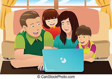 patrząc, laptop, rodzina, szczęśliwy