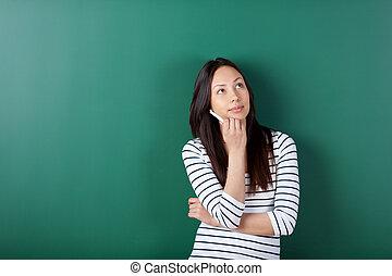 patrząc, zamyślony, samiczy student, do góry