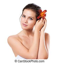 piękna kobieta, na, młody, twarz, skincare, kwiat, tło, świeży, biały