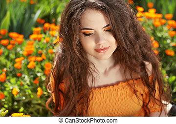piękny, brunetka, hairstyle., piękno, zdrowy, hair., długi, falisty, portrait., outdoors, woman.