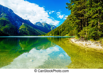 piękny, górski krajobraz, jezioro, tło.