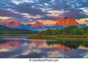 piękny, góry, wschód słońca