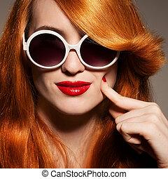 piękny, jasny, kobieta, sunglasses, charakteryzacja