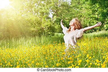 piękny, lato, dziewczyna, cieszący się, słońce