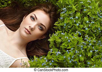 piękny, portret, kobieta, lato, ogród, młody