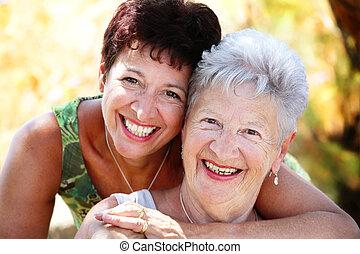piękny, senior, córka, uśmiechanie się, macierz