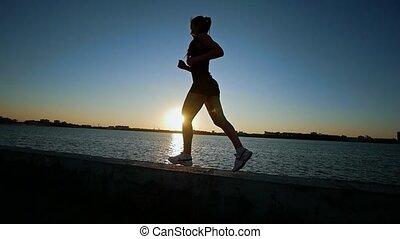 piękny, sportowy, wyścigi, kobieta, blisko wody