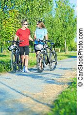pieszy, natura, para, surroundi, bicycles, kaukaski, szczęśliwy