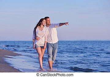 plaża, para, młody, zabawa, mieć
