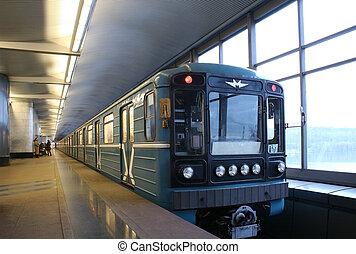 pociąg, tunel