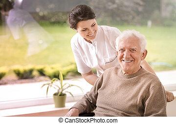 podpórkowy, pielęgnacja, dom, starszy, przyjacielski, niepełnosprawny, uśmiechanie się, pielęgnować, człowiek