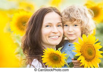 pole, rodzina, słonecznik, szczęśliwy
