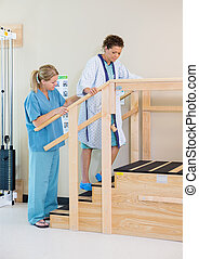 pomagając, pacjent, upstairs, terapeuta, ruchomy, samica