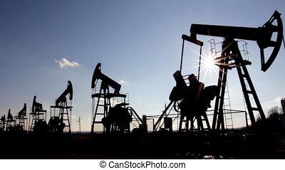pompy, nafta, sylwetka, pracujący
