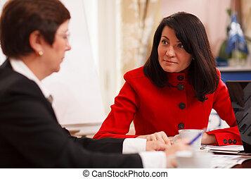 poważny, spotkanie, dwa, handlowe kobiety