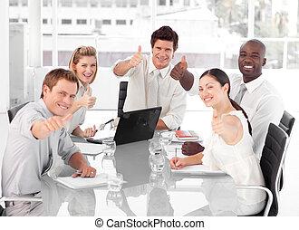 powodzenie, drużyna, świętując, handlowy