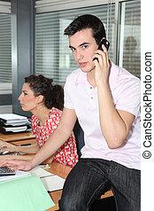 pracownicy, młody, biuro