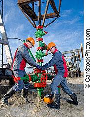 pracownicy, oilfield