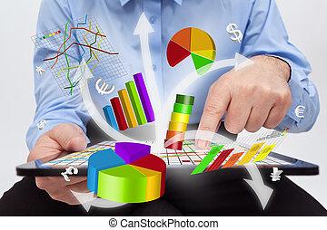 pracujący, tabliczka, -, wykresy, komputer, biznesmen, stwarzając