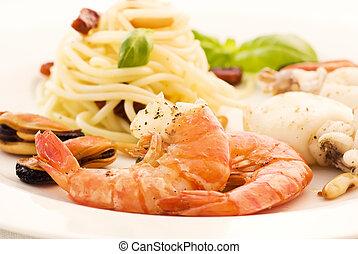produkty morza, spaghetti