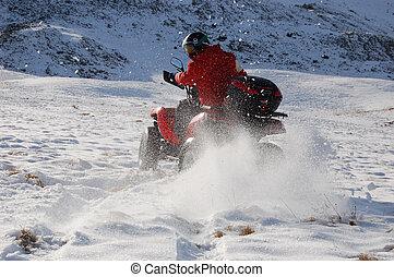 quad, śnieg