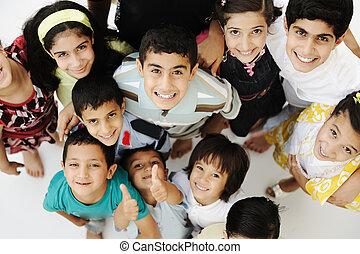różny, grupa, tłum, klasy, wieczność, wielki, dzieci, szczęśliwy