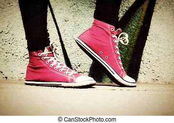 różowy, do góry, używany, teenager., sneakers, zamknięcie