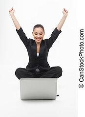 radosny, podniesiony, hydromonitor, jej, kobieta interesu, laptop., młode przeglądnięcie, znowu, komputer, herb, dzierżawa, odizolowany, biały