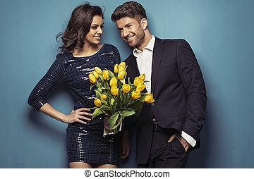radosny, tulipany, para upozowująca