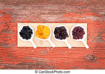 ramekins, jagody, owoc, zasuszony, dobrany