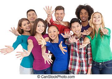 reputacja, grupa, us!, ludzie, wstąpić, młody, odizolowany, radosny, znowu, inny, multi-ethnic, każdy, zamknięcie, biały, gesturing
