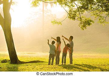 rodzina, asian, spoinowanie