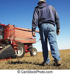 rolnik, pieszy, bliski, combine.