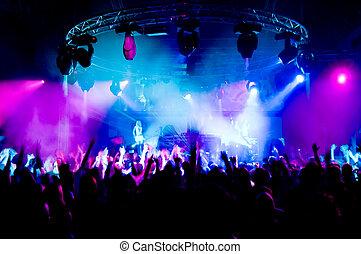 rusztowanie, ludzie, taniec, koncert, dziewczyny, anonimowy