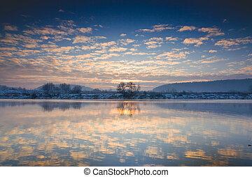 rzeka, zima, wschód słońca, na