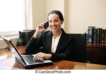 samica, biuro, mówiąc, laptop, telefon, prawnik, używając