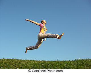 skok, dziewczyna, niebo, pod