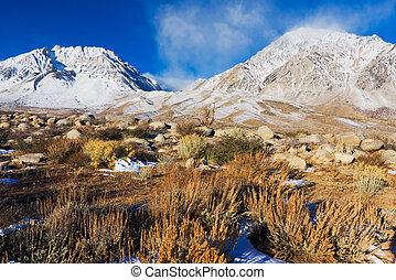 snowy góra, sunrsie, piękny