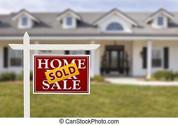 sprzedany znak, dom, sprzedaż, dom, nowy, przód