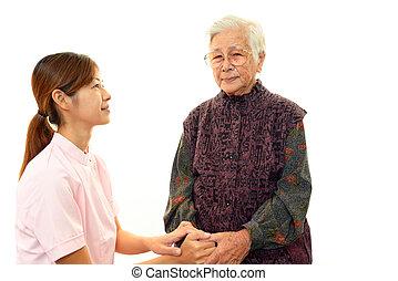 starsza kobieta, medyczna obsada