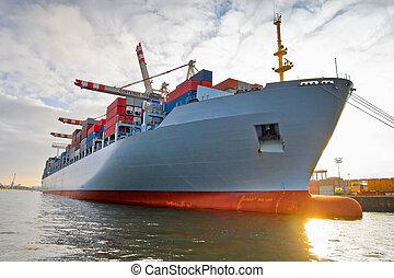 statek zbiornika, fracht, ładunek