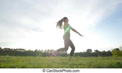 styl życia, zdrowa kobieta, sport, długi, niebo, sportowy, słoneczny, skok, tło, młody, concept.