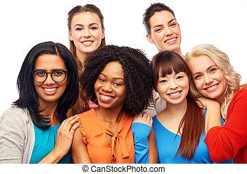 szczęśliwy, tulenie, grupa, kobiety, międzynarodowy