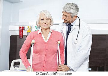 szczudła, pacjent, doktor, istota, wsparty, dojrzały, senior