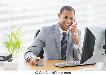telefon, biurko, używając, biznesmen, biuro, komputer