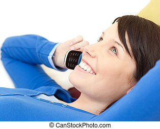 telefon, pociągający, mówiąc, sofa, leżący, kobieta, młody