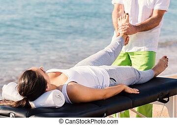 terapia, outdoors., stopa, samica, osteopath