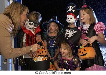 traktowanie, halloween, albo, podstęp, partia, dzieci, szczęśliwy