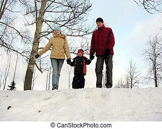 trzy, rodzina